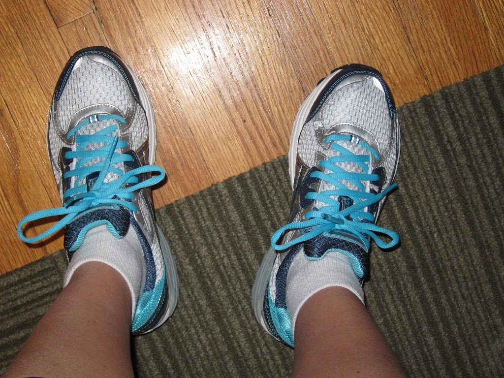 80a8dc0cc43 Fitting Remarks  When To Replace Running Shoes - The Right Fits