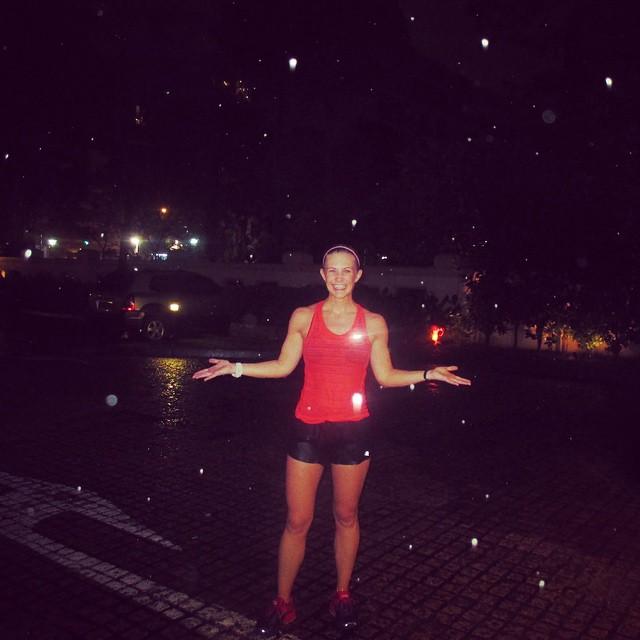 Is it snow? #warmdecemberrain #isthatagunsnrosessong ? #singapore #running