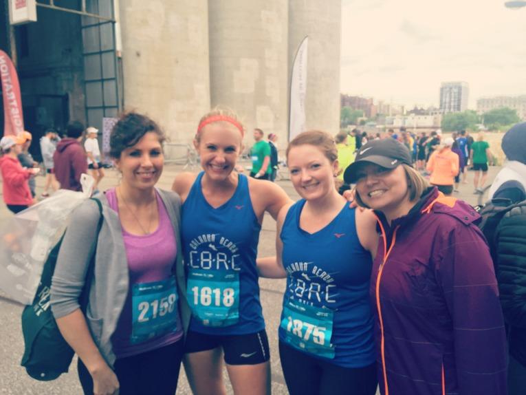 girls team 1 mile
