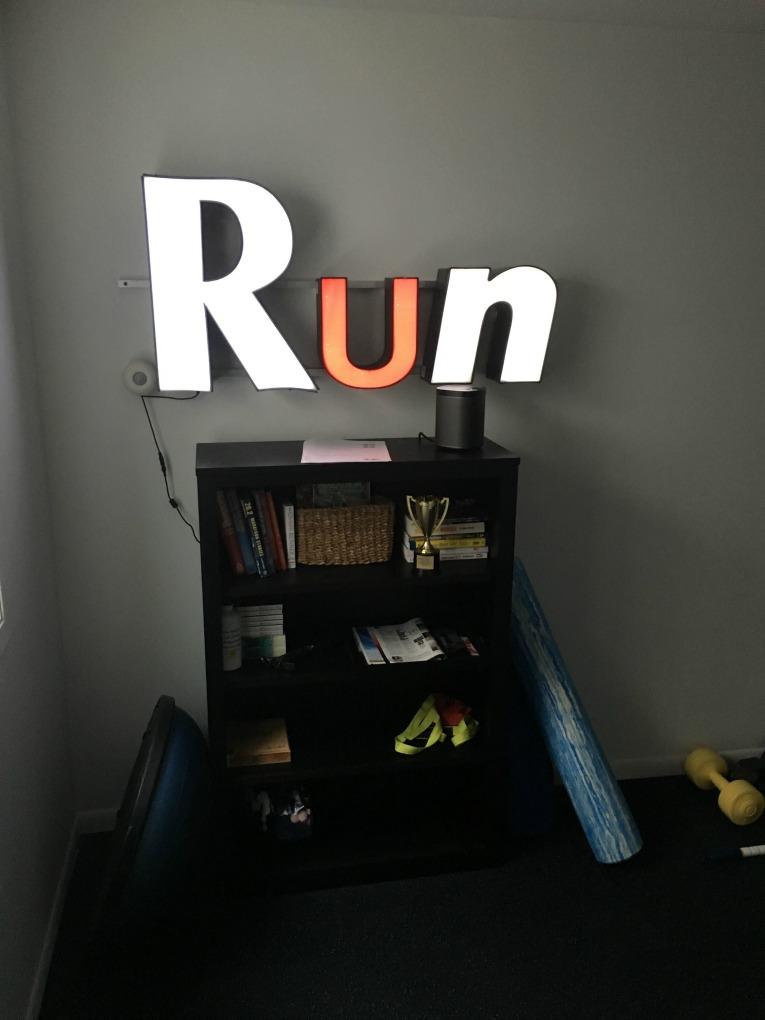 run-sign-11